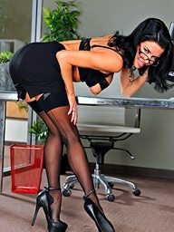 Veronica Avluv on 21Sextury.Com - Creative Meeting