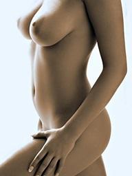 Ginger Jolie shows off her amazing figure - Digital Desire