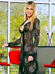 Foxes.com: Nikki Kyle - Sheer Gown Lengthy Legs Blonde Swollen Vagina Lips