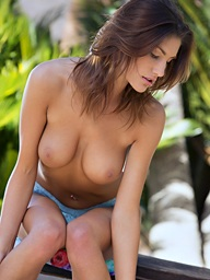 August Ames takes off her raiment in the warm outdoors - Digital Desire